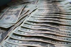 La libertad financiera con 20 el ` s ese nunca termina de alta calidad Imagen de archivo libre de regalías