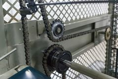 La ligne convoyeur d'arbre d'entraînement à chaînes industriel Photo libre de droits