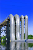 la ligne de fond a photographié l'acier de ciel de pipe Photographie stock libre de droits