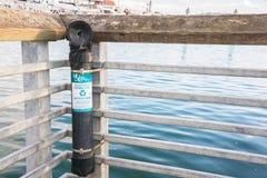 La ligne de pêche de monofilament réutilisent le récipient monté sur F Image stock