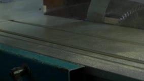 La limpieza trabaja a máquina el compresor Limpieza de la superficie de funcionamiento del polvo almacen de video