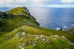 La linea costiera nordica dell'Irlanda Immagini Stock Libere da Diritti