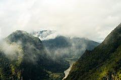 La linea della cresta nel Laos del Nord Immagini Stock