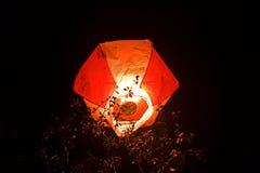 La linterna flotante del Año Nuevo en Tailandia Fotografía de archivo libre de regalías
