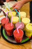 La lista de comprobación del camarero de frío bebe los smoothies del vegano Foto de archivo libre de regalías