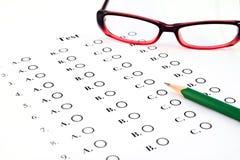 La lista y el lápiz de la prueba Imagen de archivo