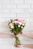 La livraison d'un atelier floral Photo libre de droits
