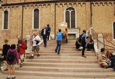 La livraison de paquet dans Murano Photographie stock