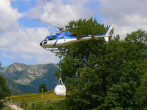 La livraison en l'hélicoptère Images stock