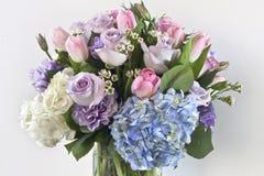 La livraison en ligne de bouquet dans Ghaziabad Image libre de droits