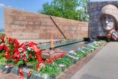 La llama eterna en el complejo conmemorativo del Samara de la ciudad, Rusia Imagenes de archivo