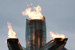 La llama olímpica quema en Vancouver 2010 Imagen de archivo