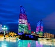 La llama se eleva el 9 de marzo en Azerbaijan, Baku Foto de archivo
