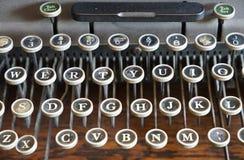La llave a la máquina de escribir Foto de archivo libre de regalías