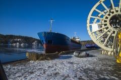 La llegada a granel del Bal halden el puerto Fotografía de archivo libre de regalías