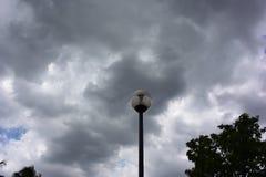 La lluvia está viniendo a mí imagen de archivo