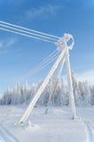 La línea eléctrica congelada Fotografía de archivo libre de regalías