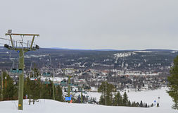 La località di soggiorno di corsa con gli sci della montagna di Ounasvaara Fotografia Stock Libera da Diritti
