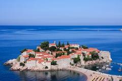La località di soggiorno di isola di Sveti Stefan, Montenegro Immagini Stock Libere da Diritti