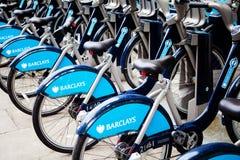 La location de cycle de Barclays (BCH) est une bicyclette publique partageant le plan qui a été lancé le 30 juillet 2010 Image libre de droits