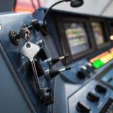 La locomotiva elettrica ad alta velocità moderna EP-2 della cabina del ` s del cruscotto Fotografia Stock