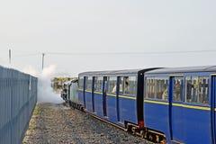 La locomotive à vapeur miniature chez Dungeness Kent England image stock