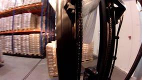 La logística almacena con las mercancías almacen de metraje de vídeo