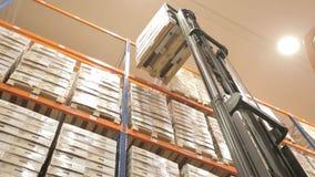 La logística almacena con las mercancías metrajes