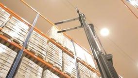 La logistica immagazzina con le merci stock footage