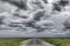 La longue route de la vie en avant photographie stock libre de droits