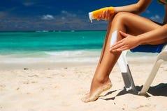 La lotion s'appliquent Photo stock