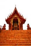 La loza de barro de la iglesia del templo Imágenes de archivo libres de regalías