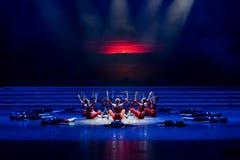 La lumière de matin de la danse monter-moderne prélude-jeune Photographie stock