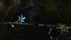 La lumière de Noël tournent en marche et en arrêt banque de vidéos