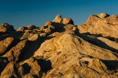 La lumière de soirée sur des roches chez Vasquez bascule le parc du comté, dans l'Agua Dul Photo libre de droits