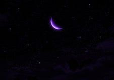 La lune dans le ciel nocturne en nuages Images stock