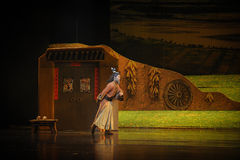 La lune de ballet d'aînés-Hui de famille de Han au-dessus de Helan Photographie stock libre de droits