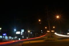 la luz en la noche con la lámpara en Semarang Indonesia fotografía de archivo