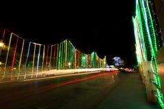 La luz se arrastra de la decoración del tráfico y de la calle del Año Nuevo, Siem R Imagen de archivo
