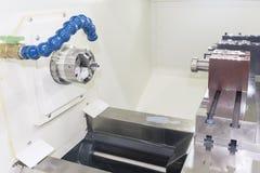 La máquina del listón del CNC, cierre hasta la acción principal del mach del listón del CNC Fotografía de archivo libre de regalías