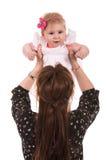 La mère élèvent le bébé de beauté Images libres de droits