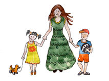 La mère avec deux enfants vont jouer Image libre de droits