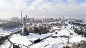 La mère patrie de monument en hiver, Kiev, Ukraine Photographie stock