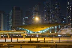 La métro de Dubaï comme ` s du monde le plus longtemps a entièrement automatisé le réseau 75 de métro Image stock