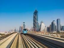 La métro de Dubaï comme ` s du monde le plus longtemps a entièrement automatisé le réseau 75 de métro Photographie stock libre de droits