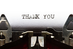 La machine à écrire avec le texte vous remercient Photographie stock libre de droits