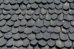 La madera del negro de la teja del tejado Foto de archivo