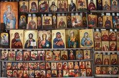 La madera hizo el icono religioso ortodoxo de la pintura, en Sofía céntrica, Bulgaria Foto de archivo