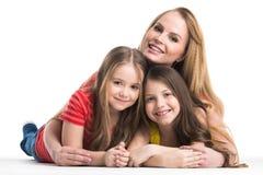 La madre e le figlie islated fotografie stock libere da diritti
