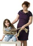 La madre punisce la figlia Fotografia Stock
